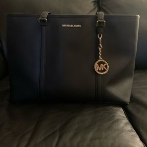 MICHAEL KORES LARGE TOTE BAG